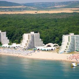 Лятна почивка на първа линия в  хотел Нона*** Албена! Нощувка на база All inclusive + чадър и шезлонг на плажа и басейна + детска анимация!!!