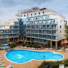 Ранни записвания до края на май за лятна почивка  в Хотел -  Каменец , Китен! Нощувка на база All Inclusive и ползване на басейн!