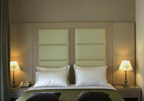 Cronwell Rahoni Park Hotel