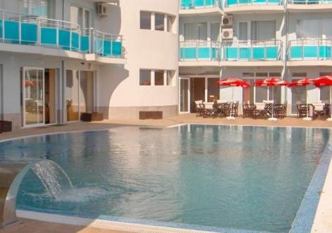 Лято на минути от плажа - хотел Сънсет Бийч Лозенец! Нощувка на база All inclusive light + басейн с чадър и шезлонг на невероятни цени!!!