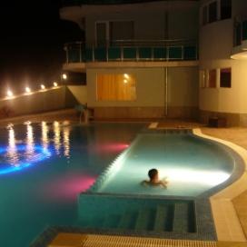 ПРОМО ЦЕНА ЗА ЛЯТОТО ОТ хотел Сънсет Бийч Лозенец! Нощувка на база All inclusive light + басейн с чадър и шезлонг на невероятни цени!!!