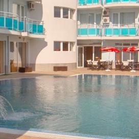 ТОП ОФЕРТА ЗА ЛЯТОТО на минути от плажа - хотел Сънсет Бийч Лозенец! Нощувка на база All inclusive light + басейн с чадър и шезлонг на невероятни цени!!!