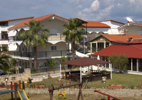 Почивка в Hanioti Grand Victoria, Халкидики - Касандра, на цена от 36.70 лв.